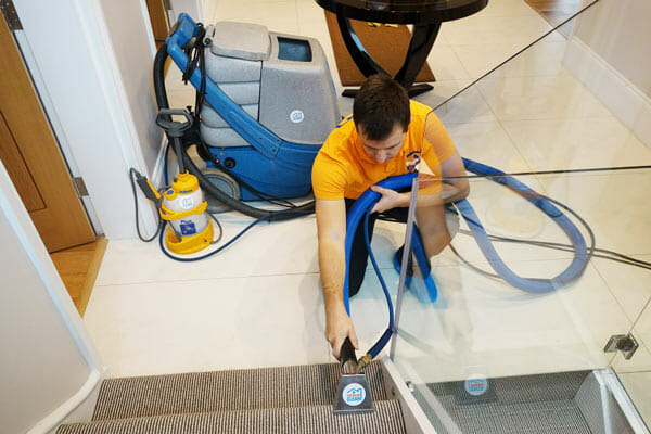 Carpet Steam Cleaning Professional vs. DIY
